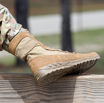 rocky safe to fly air force boot